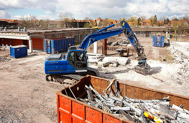 Как вывозят строительный мусор в России